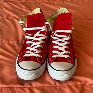Hi Top Red Coverse Chuck Taylor All Stars